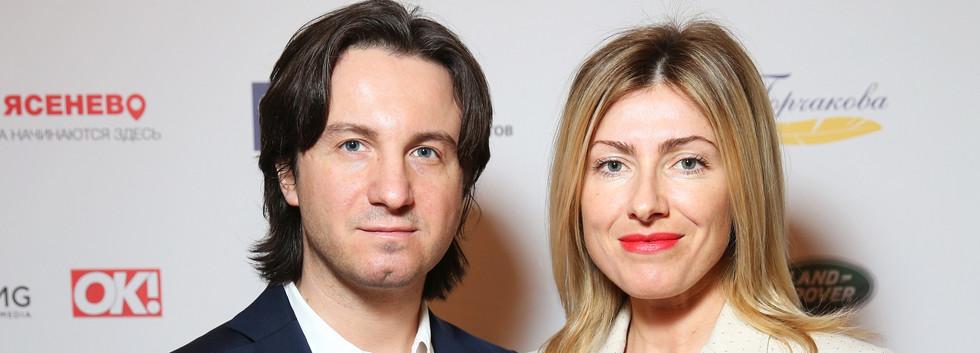 Петр Ануров с женой.JPG
