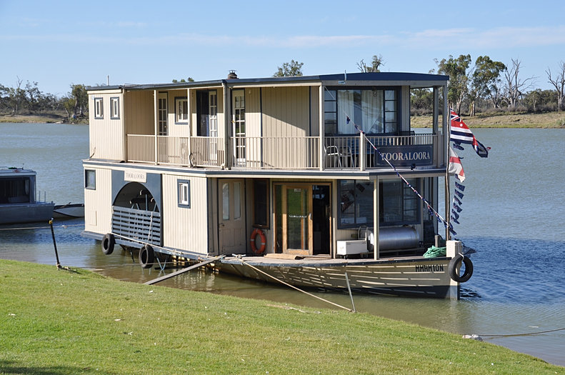 Houseboat Sales