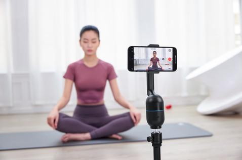 OBSBOT Me - Live-stream Yoga-1.jpg