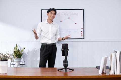 OBSBOT Me - video conference-2.jpg