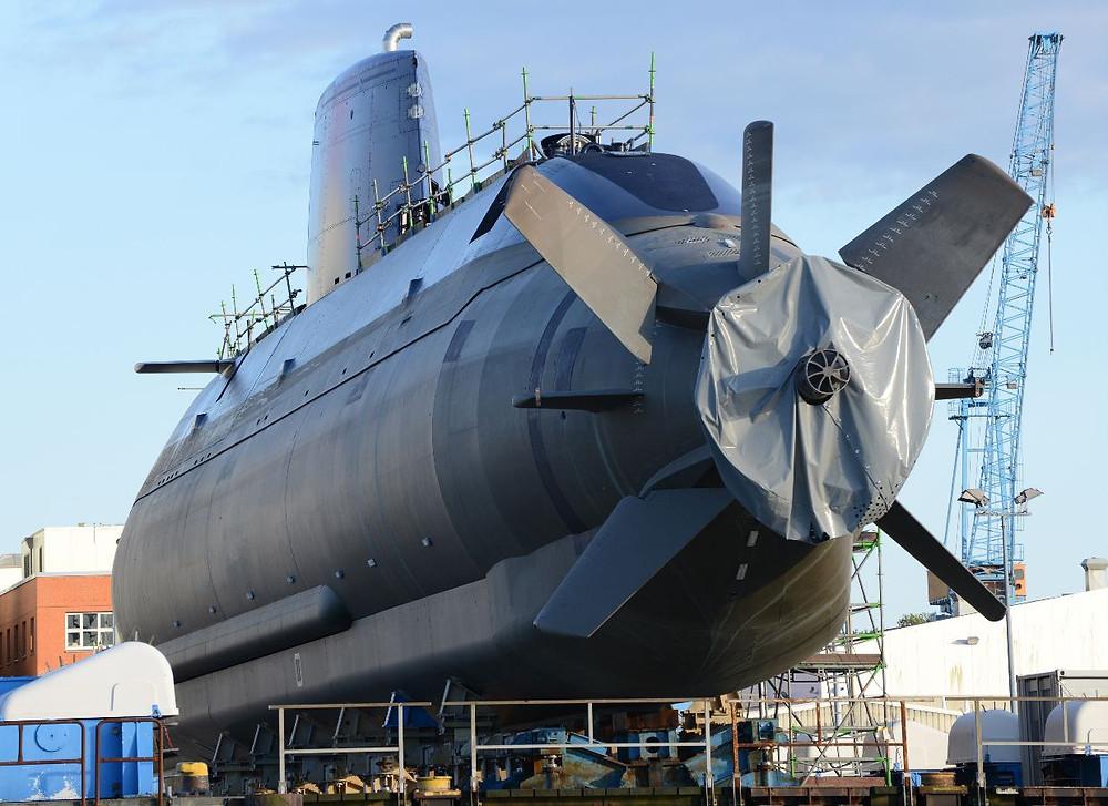 Submarino israelí Dolphin-II en dique