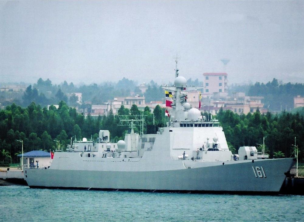 Los destructores chinos tipo 052D son los equivalentes a los Arleigh Burke estadounidenses (navalnews.com)