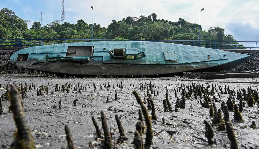 Narcosubmarino semisumergible