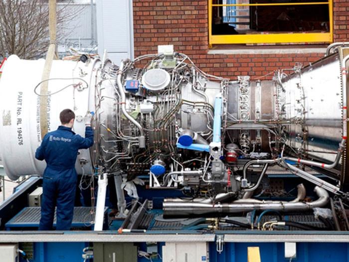 Los DDG-1000 Zumwalt tienen dos turbinas MT-30 de Rolls Royce