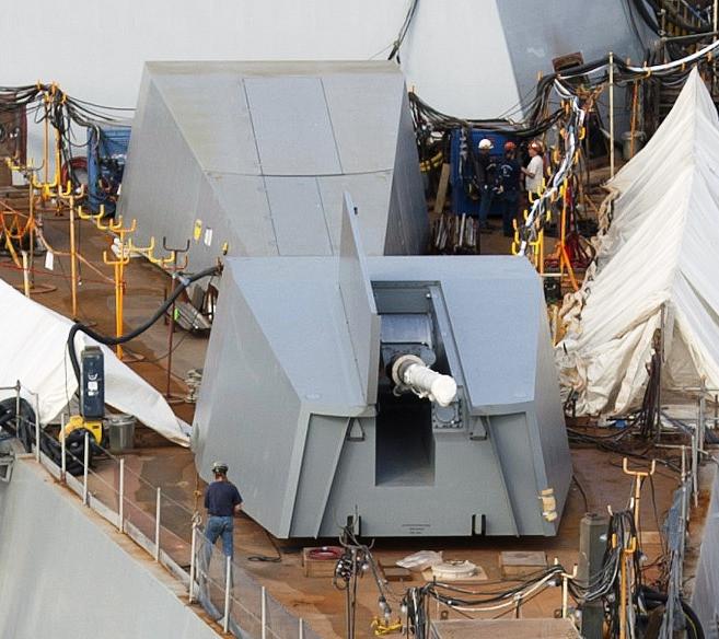 El Advanced Gun System (AGS) de los Zumwalt se oculta en una casamata para reducir el eco radar