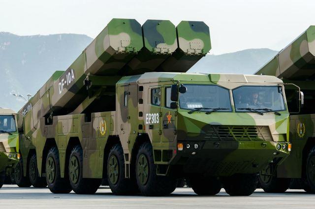 Misil chino DF-10A. Los destructores Tipo 055 portan la versión naval: DH-10