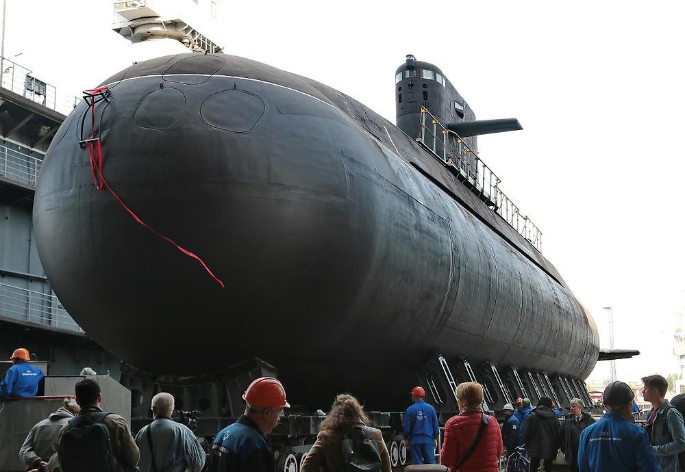 Botadura del submarino ruso Lada