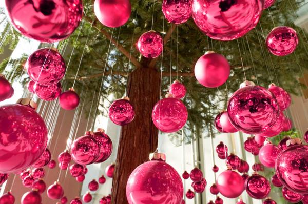 christmas-decor-pink-ornaments.jpg