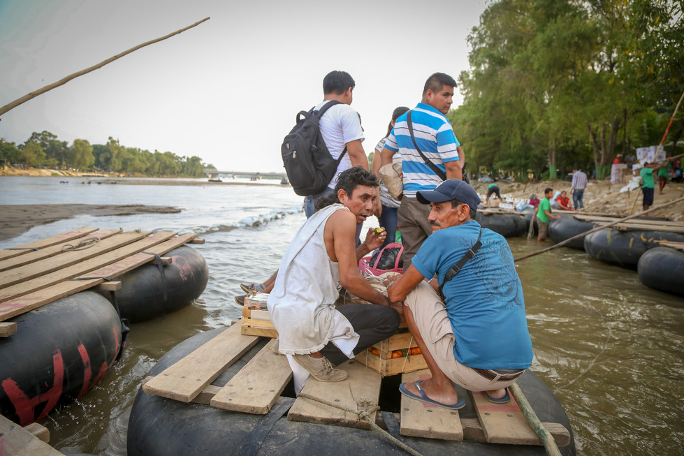 Migrant_Caravan_Zak_Bennett_Eddie_Adams_