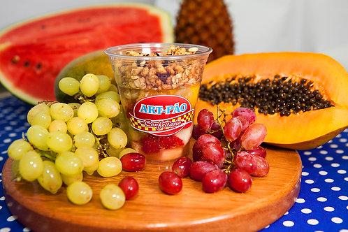 Salada de Frutas com Granola