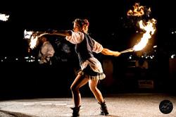 danza col fuoco performance fiamme