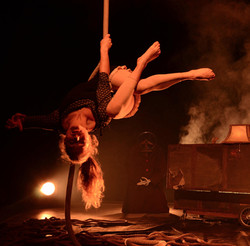 plancia acrobata aerea corda rope