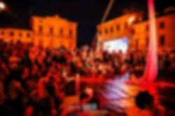 Aerial rope, aerial artist, circus performer, corda aerea, artista di strada, teatro de calle tessuti aerei