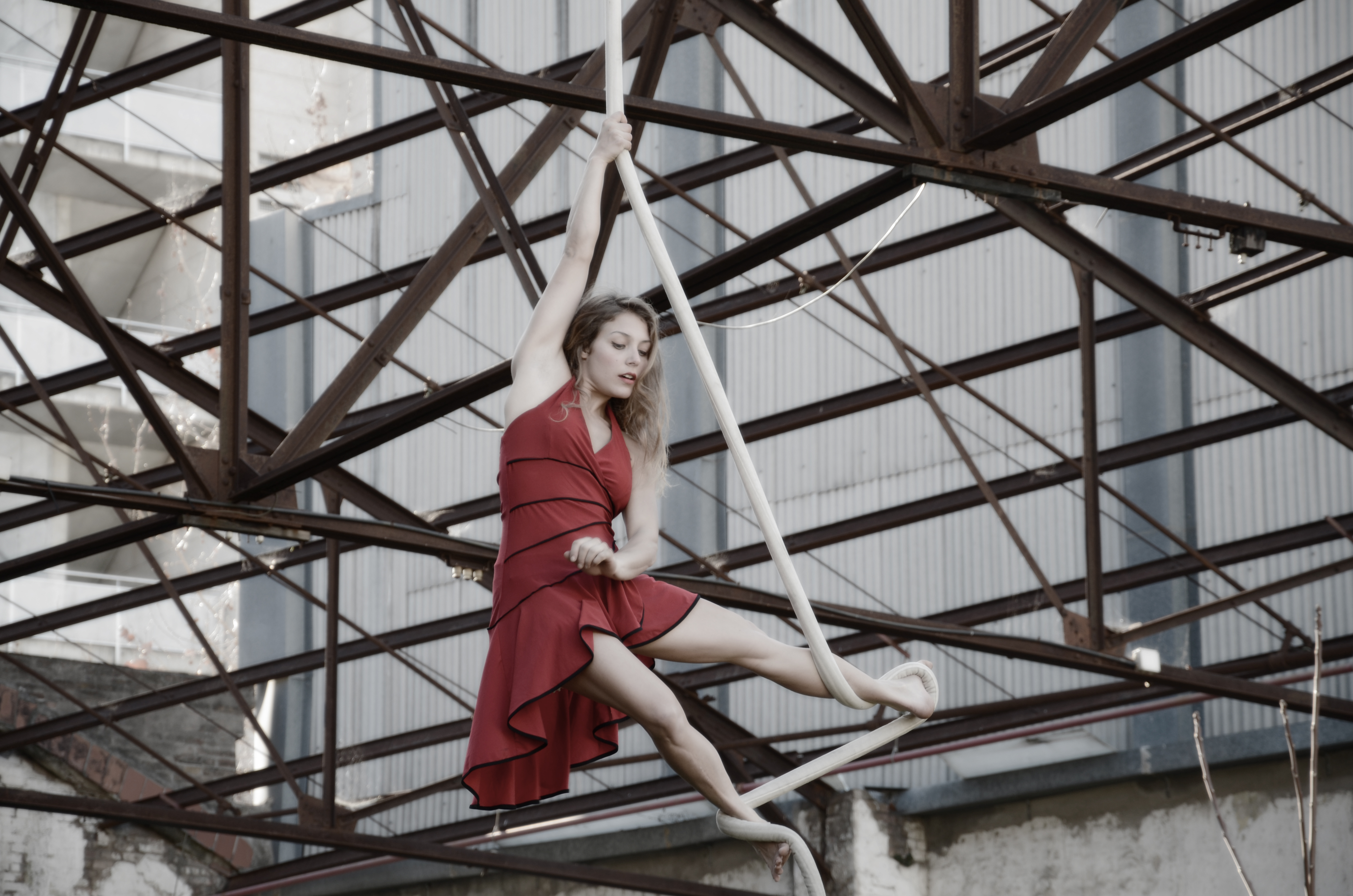 ragnatela acrobata aerea urban teatr