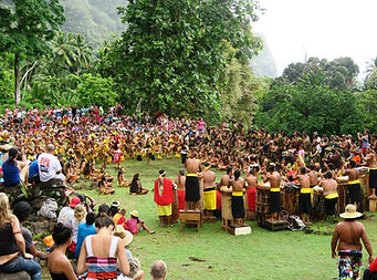 Optreden van Nuku Hiva op de oude site van Ta'aoa, Tohua Upeke, 18 december 2015