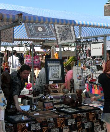 Le stand du Galerie Caroline au Swan Market, Rotterdam, Juin 7, 2015