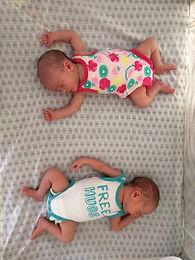 新生兒蛙腿在揹巾裡到底要怎麼包?