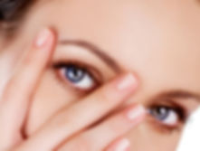 Woman With Hand On Face At Robert Love The III, M.D. | Plastic And Cosmetic Surgery In Little Rock, Arkansas