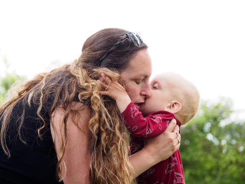 אמא ותינוק- צילום ילדים ומשפחות