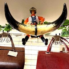 スターウォーズ X-ウィング パイロット 店頭価格:¥2、500  牛角 オブジェ 店頭価格:¥4,500  店頭渡し限定:メールにてお合せ下問さい。