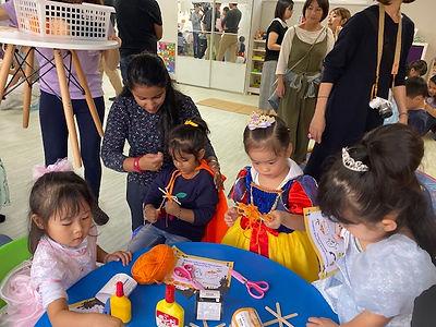 江東区の幼児教室リッカウィズキッズアカデミーの授業風景 ハロウィンイベント