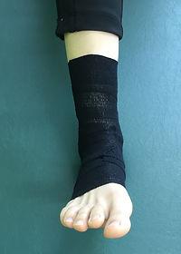 佐賀 足関節捻挫 テーピング スポーツ障害 スポーツ整体 チューブトレーニング
