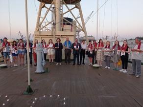 На борту легендарного ледокола «Красин» прошла акция «Свеча памяти»