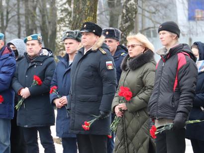 В Кировске почтили память псковских десантников