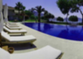 3 Bedroom Seafront Holiday Rental Apartment
