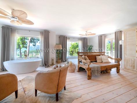 Deniz Manzaralı, Özel Havuzlu Kiralık Villa   La Perla