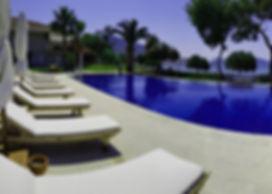 4 bedroom luxury villa with private pool & jacuzzi. (Sleeps 8)
