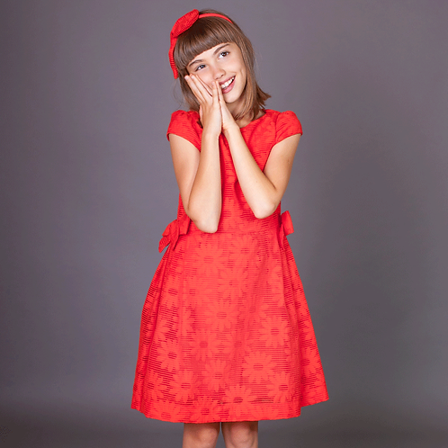 rochita rosu corai fete flori