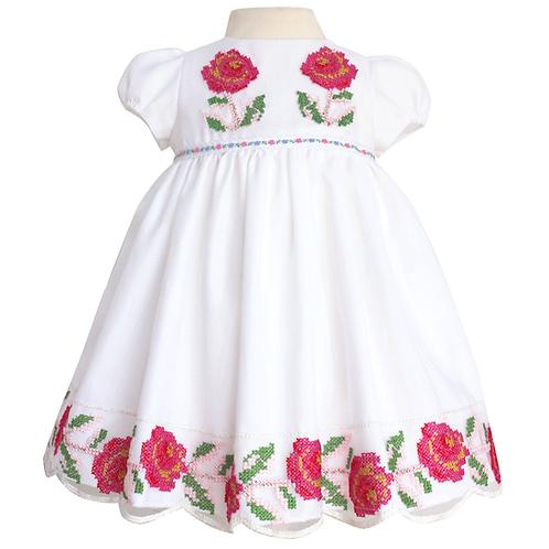 rochita botez dantela trandafiri roz pas de cruciulita traditional