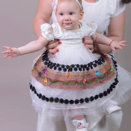 rochita botez motive populare traditionala