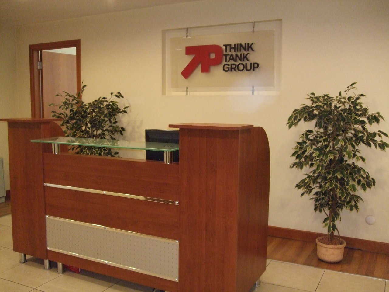 7P THINK TANK OFFICE