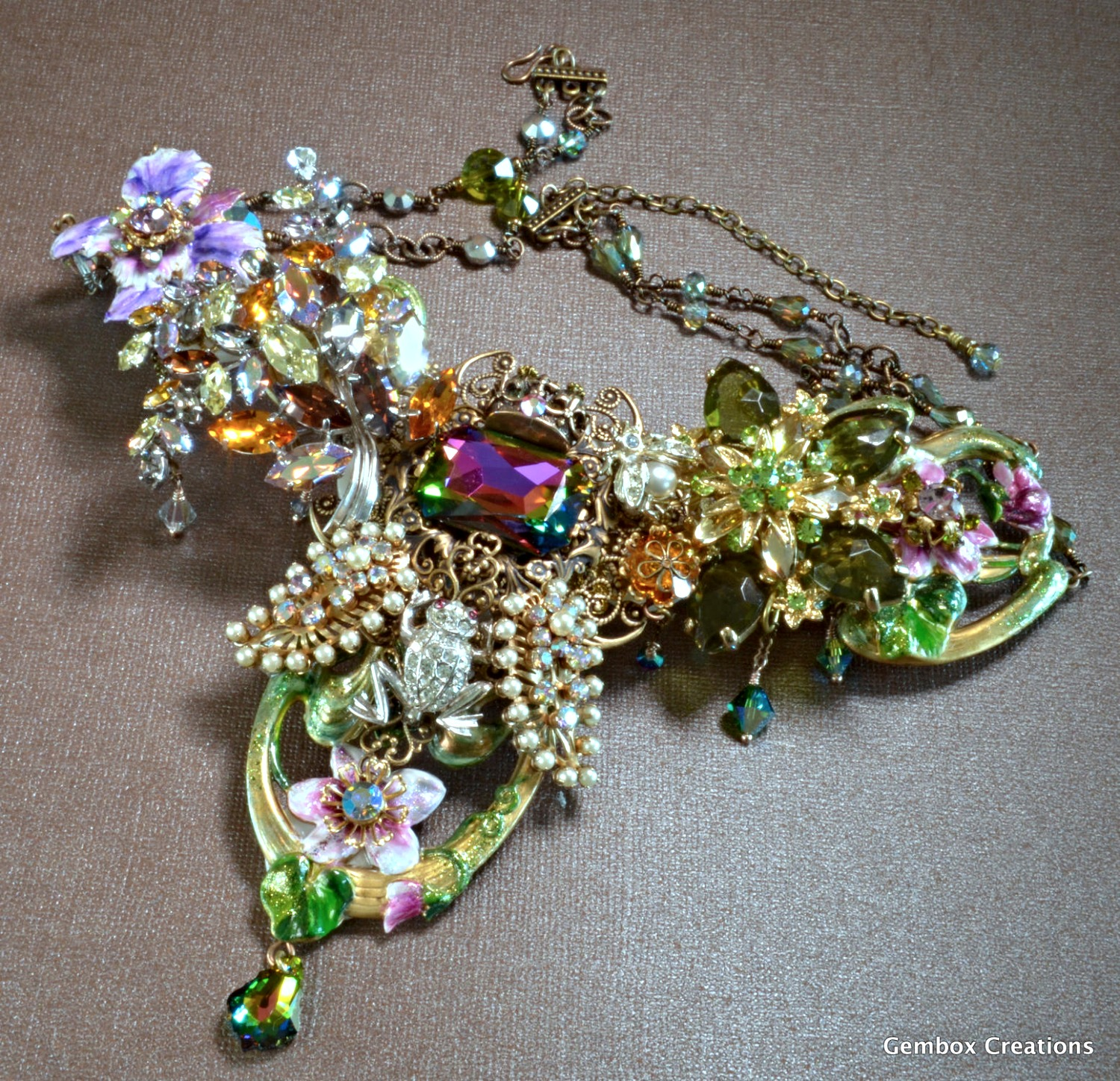 Garden Queen Necklace