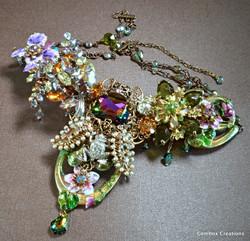 Garden Queen Necklace