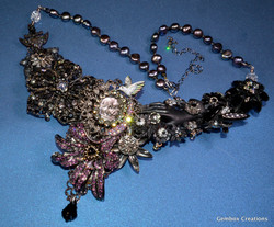 A Handful of Posies Necklace