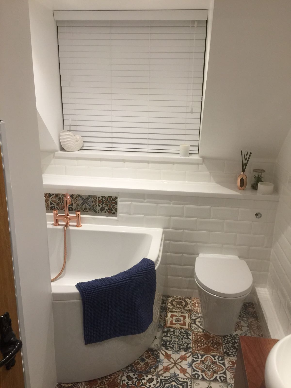 Small Cottage Bathroom