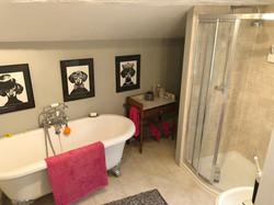 Roll Top Bath Suite