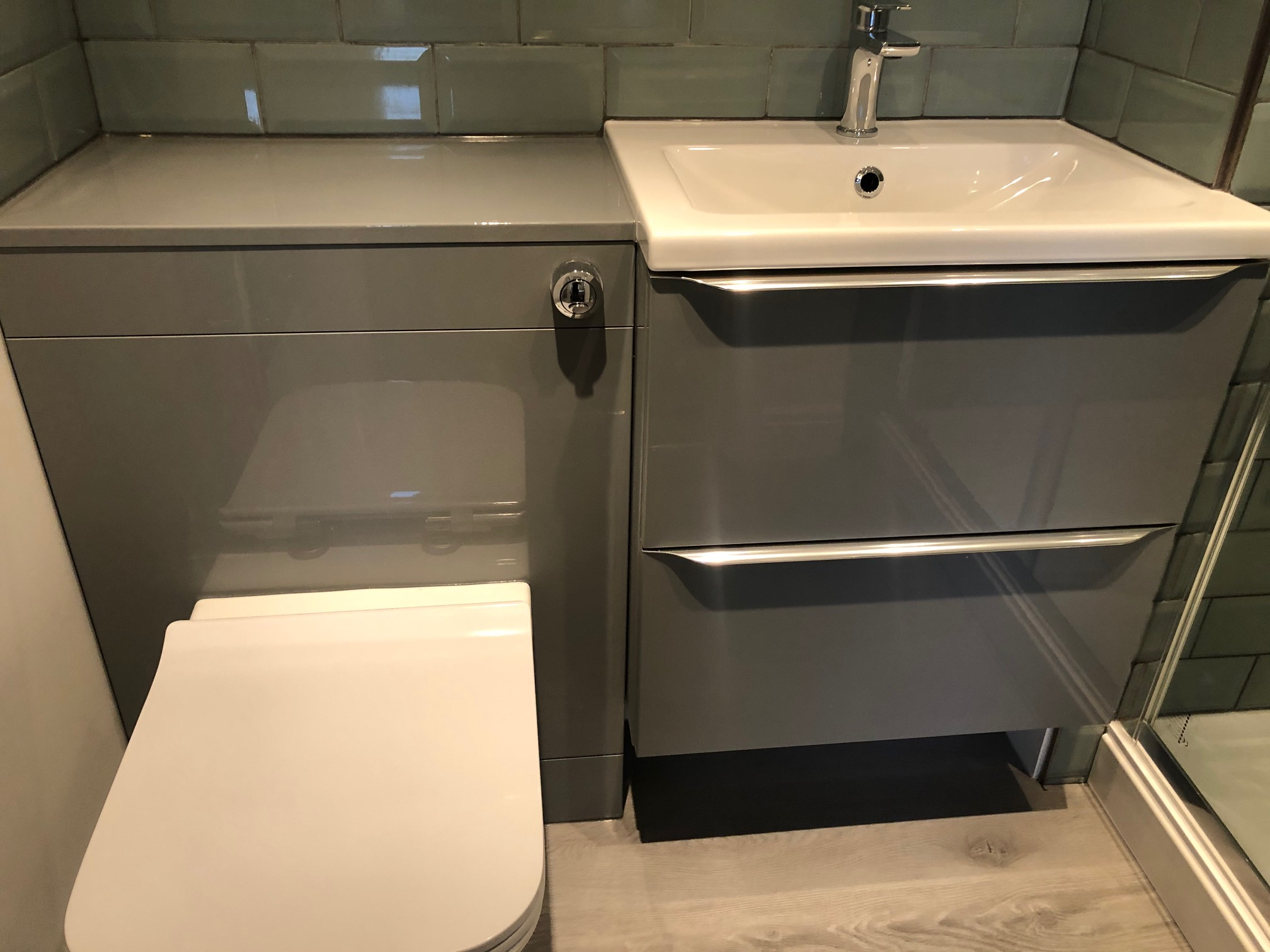 High Gloss Bathroom Suite