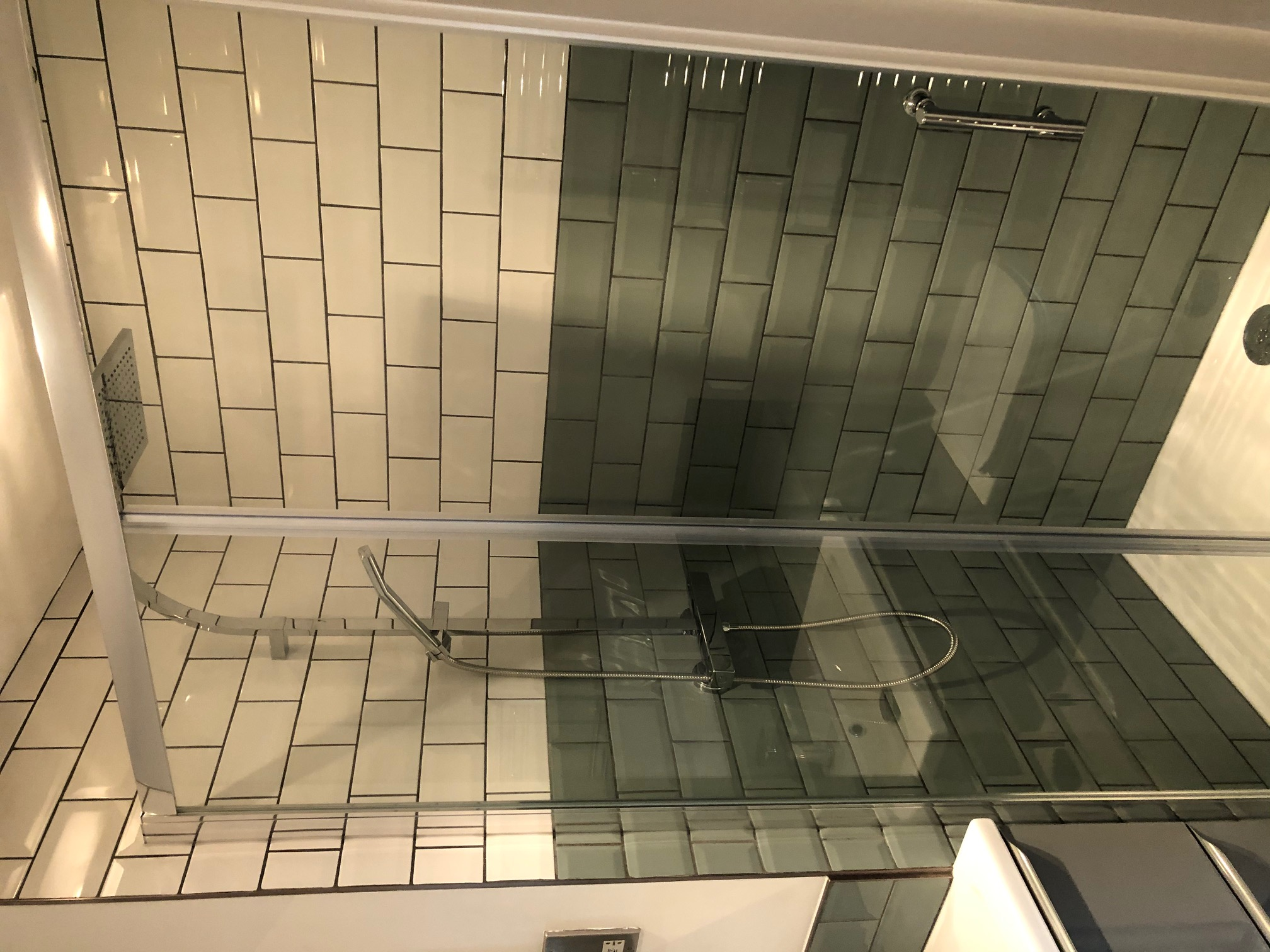 Tiled bathroom enclosure