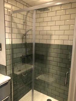 Tiled bathroom enclosure