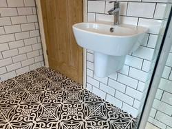 Wall mounted bathroom basin