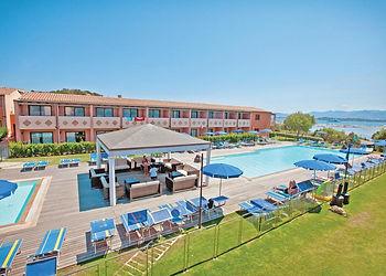 hotel-club-baja-bianca--localit-capo-coda-cavallo-08020-san-teodoro-italia-.jpg