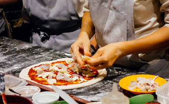 pizza-class-making-Naples