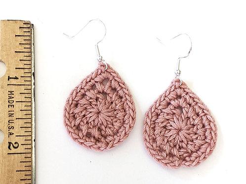 Dusty rose crochet earrings