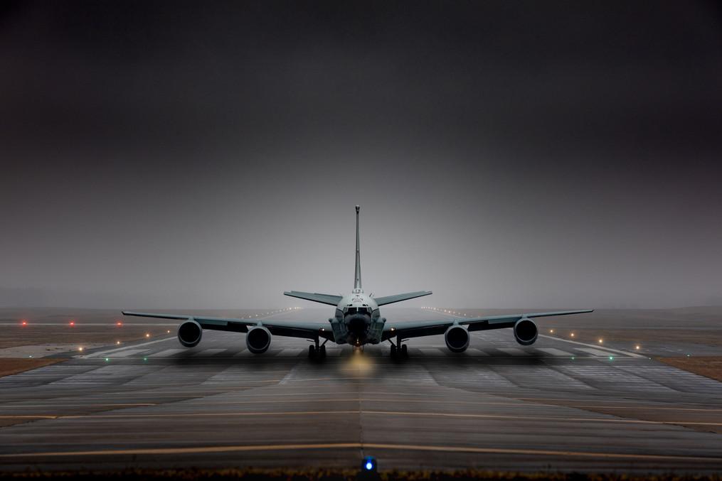RC-135 takeoff image