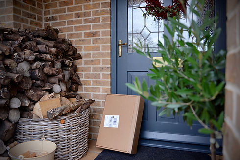 delivery-and-packages-NWDY73H.jpg