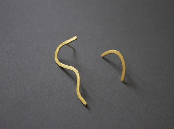 Slide earrings_Mária Roskó1.jpg